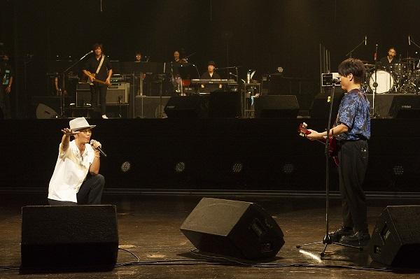 ル リ 灯 コブクロ 祈 コブクロ『灯ル祈リ』2020年の社会と強くリンクした、現代を生きる人々に強いメッセージを与える楽曲