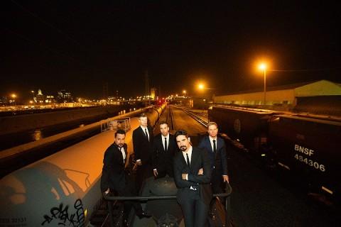 backstreet boys 2013 album  バックストリート・ボーイズ、ケヴィン含む5人で ...